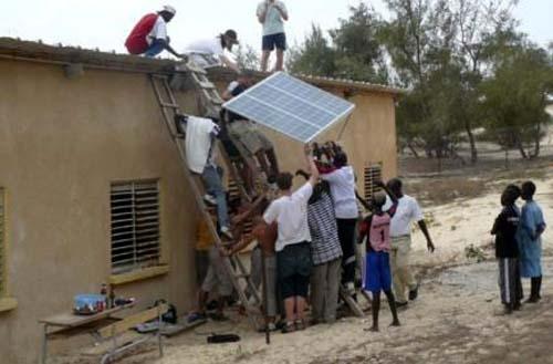 vente et installation de panneaux solaires en afrique. Black Bedroom Furniture Sets. Home Design Ideas