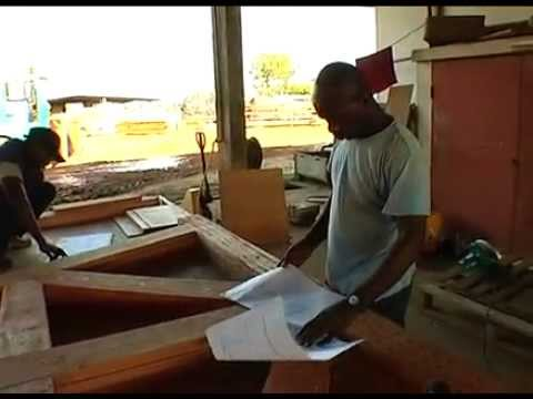 Construction en bois de cabanes en Afrique