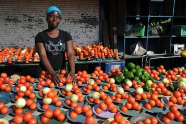 Magasin d'alimentation générale et point chaud en Afrique